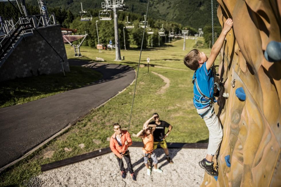 Kletterausrüstung Outdoor : Outdoor kletterwand zimletbooking